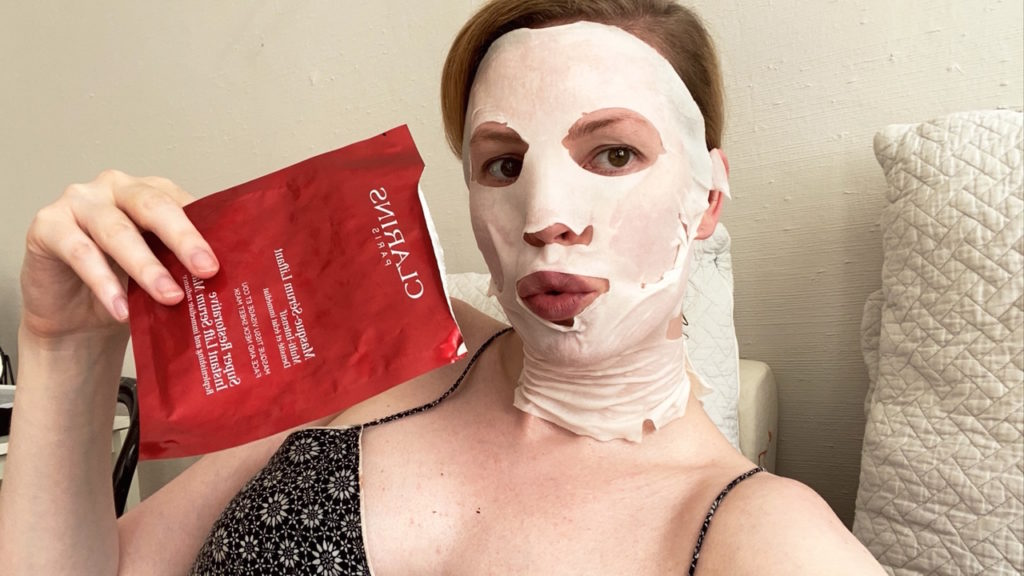 Recension-Clarins-Super-Restorative-Instant-Lift-Serum-mask